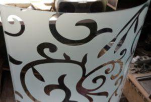 Стекло радиусное с пескоструйным рисунком для радиусных дверей Калуга