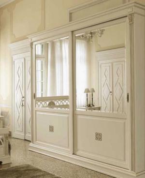 Шкаф купе с филенкой и декоративной накладкой эмаль Калуга