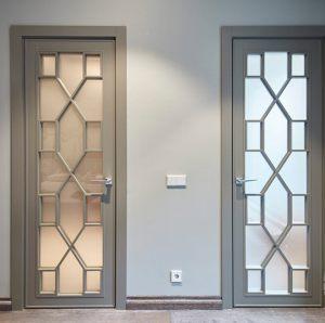Двери с филенкой Калуга