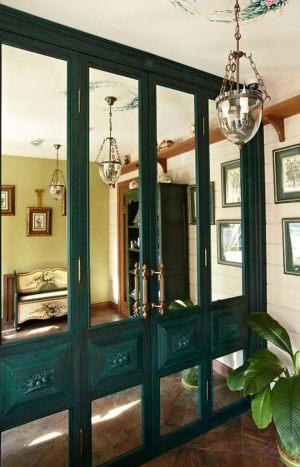 Распашные двери филенкой и декоративными накладками Калуга